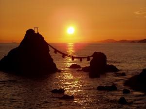 漢方の夫婦岩