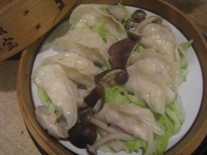 漢方の蒸し餃子
