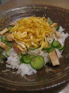 漢方のちらし寿司